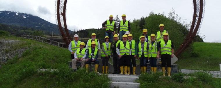 <p>Eine Delegation des Bayernbundes Kreisverband Rosenheim e.V. konnte die die längste unterirdische Eisenbahnverbindung der Welt besuchen. Das Projekt ist eine europäische Infrastrukturmaßnahme.</p>